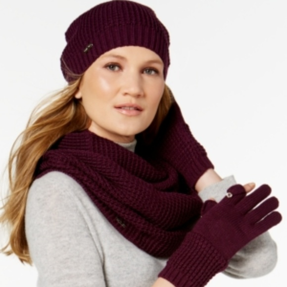 cd103d6536f Calvin Klein Knit Infinity SCARF GLOVES HAT SET